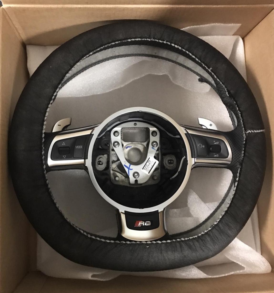 Poza 6 - Comenzi Volan AUDI RS3 RS4 RS5 RS6 TTRS A8 R8 420951527A / 420 951 527 A